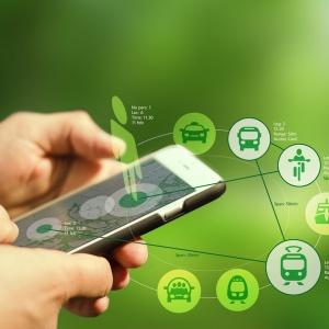 Mobiltelefon med symboler för transport